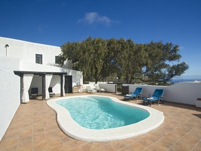 Photo for Traditional Canarian farmhouse and in a rural area