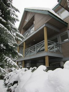 Photo for 3 Level, 3 Bed, 2.5 Bath Townhome, Private Hot Tub, Walk To Everything, Sleeps 8