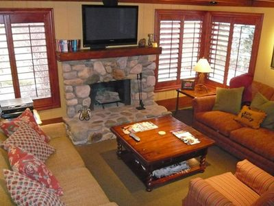 Photo for Charming remodeled ski condo with mountain views