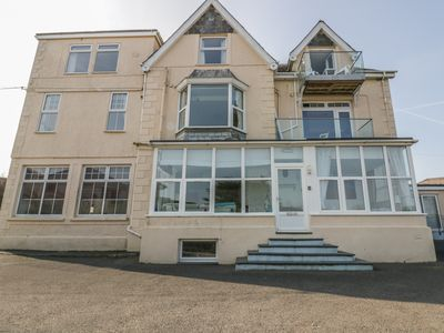 Photo for YELLOW SANDS APARTMENT 6 in Harlyn, Cornwall, Ref 957905