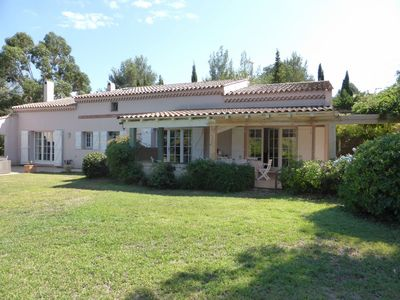 Photo for Large spacious Villa for 9 persons of 4000 sq.m wooded, pool, 5 min from beache