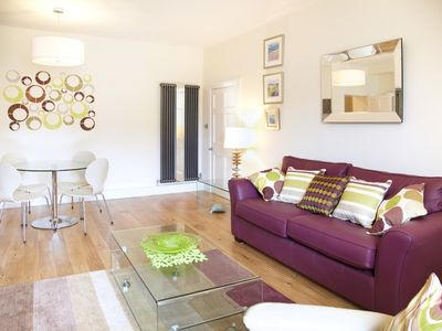 Photo for Beautiful central apartment in quiet area 5 minutes from Princes St - sleeps 2/4