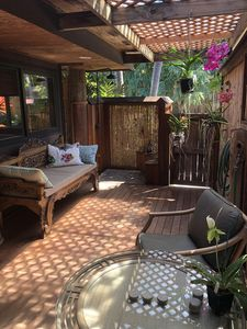 Private Lanai with Day Bed and Outdoor Shower