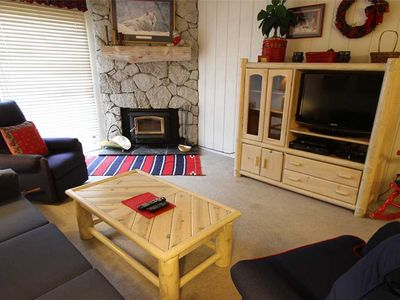Photo for Pet Friendly, 1 Bed/1 Bath, Walk to Eagle Lodge