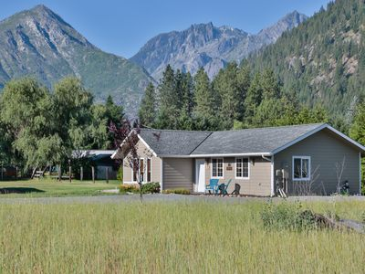 Photo for Amazing Enchantment Views From Quail Cottage