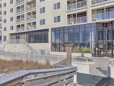 Photo for Summerchase *Beachfront* Family Friendly, 2 BR 2 Bath Sleeps 6, AMENITIES!