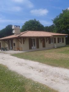 Photo for Holiday rental, detached house in Grayan and L'Hôpital