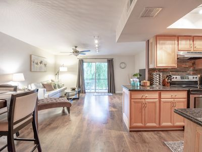 Photo for Condo in Central Phoenix, Minutes from the Light Rail to Downtown, Heard Museum and more! Great for Families, Business, or Just a Getaway with Friends
