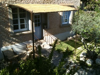 Photo for ~ Apartment with private garden at the foot of the Luberon ~