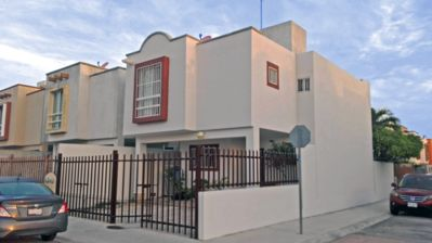 Photo for Attractive and Cozy Bed & Breakfast in Cancun close to shops and transport.