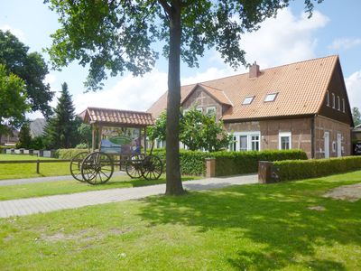 Photo for Rundlingsdorf with vibrant farms with Kuhaustrieb and Stork