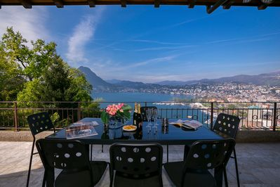 Private terrace with view on Lake Lugano