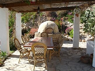Garden Dinning area and Bread Oven