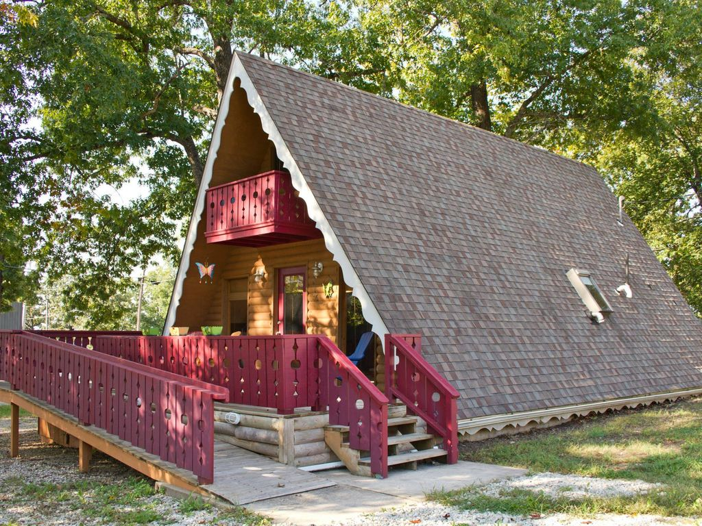 cabins elegant spacious branson ridgedale log secluded near hot jetted cabin properties mo shows tub tubs