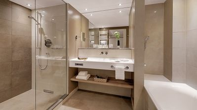 Photo for Deluxe Room mit Dusche/WC