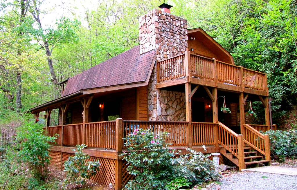 murphysboro in fire tubs missouri the cabin tub wine trail log rental compardo hot visit cabins farms pit with at dusk