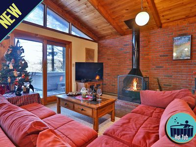 Photo for Private Vermont Chalet w/hot tub! Short drive to the slopes!