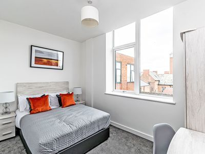 Photo for City Suites - 1 bed -  a chester that sleeps 2 guests  in 1 bedroom