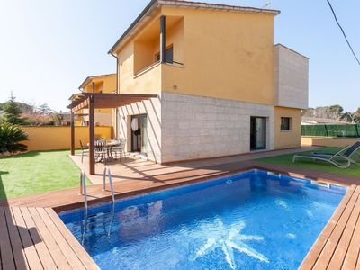 Photo for Semi-detached house situated 1 km from the beach