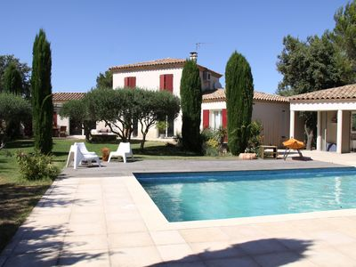 Photo for Bright and quiet villa with Garden & Pool, Nîmes - 8/12 pers. - 06/28 July