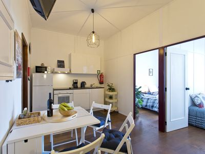 Photo for Cozy Sunny Flat w / Garage | Clergy