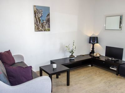Photo for Cosy apartment for 4 guests with WIFI, A/C, TV and parking