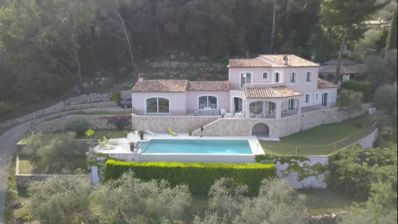 Photo for Villa with panoramic sea view  and infinity pool! 20 min away from Cannes