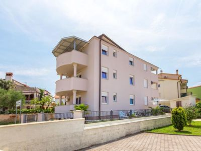 Photo for Apartment PURPLE in Medulin - 5 persons, 2 bedrooms