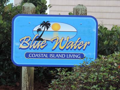 Photo for Beach Getaway! Beautiful Condo - Pool & Beach Access - Sleeps 6