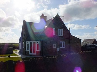 Photo for Cosy Farm Cottage with Easy Beach Access