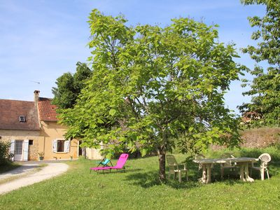 Photo for Pleasant cottage in the countryside 12 kms from Sarlat