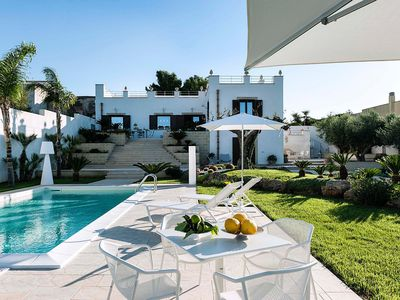 Photo for Private villa with swimming pool