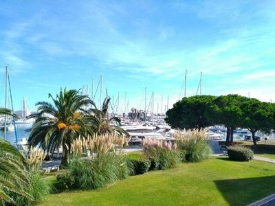 Photo for Studio with breathtaking views of the port of Canet