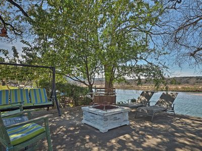Photo for Waterfront Kingsland Home w/Fire Pit & Lake Access