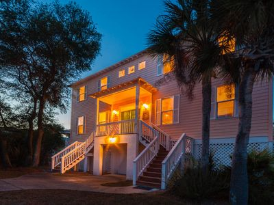 Photo for Sleeps 8  Just steps from the 3 Cabana Club Pools, Camp Fripp for the kids!