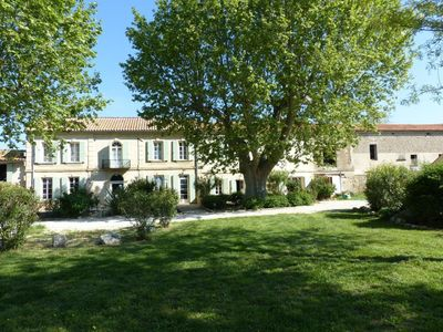 Photo for Holiday apartment Raphèle les Arles for 4 persons with 2 bedrooms - Holiday apartment