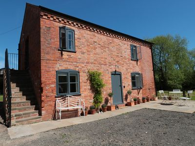 Photo for GRANARY 1, pet friendly, with a garden in Madley, Ref 974077