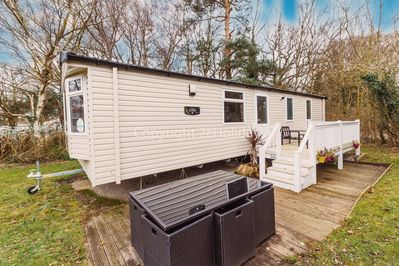 Luxurious caravan with a modern interior and spacious design!