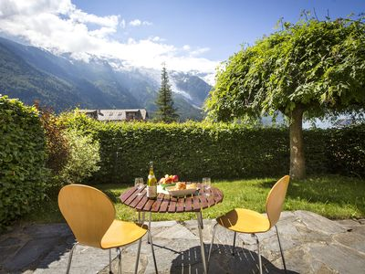 Photo for Apartment Alpins - 3 bedroom with private garden