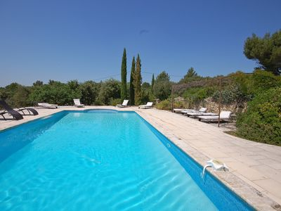 Photo for Charming 6 bedroom Villa in Gordes (Q8619)