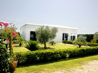 Photo for Comfortable Villa surrounded by greenery near the sea, Torre dell'orso and Otranto