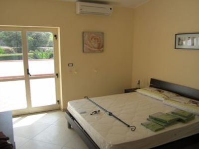 Photo for Floriana apartment 15 minutes from the sea