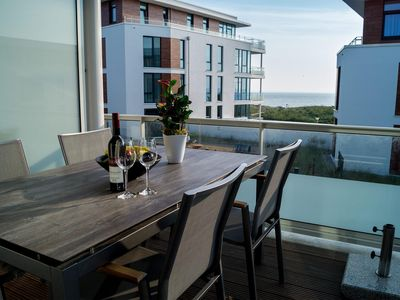 Photo for 76m² apartment for 4 people in a great location with sea views