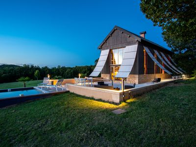 Photo for The key to the stars, A little gem near Sarlat, Atypical accommodation