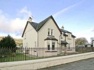 Photo for 5 bedroom property in Fort Augustus.