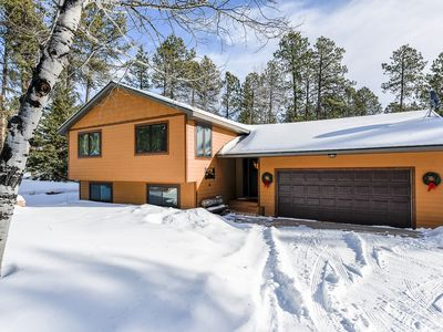 Quiet and Private Paradise Close to Highway, ATV and Snowmobile Trails!