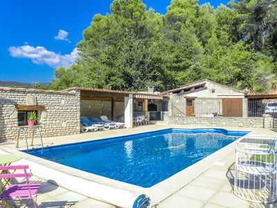 Photo for Holiday home in Luberon area, with A/C, pool child-safe, dogs allowed