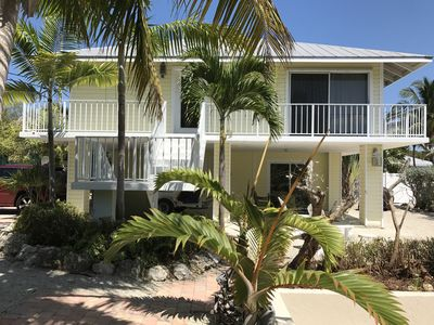 Photo for !!CHARMING CLEAN WATERFRONT HOME-WIFI-PRIVATE DOCKAGE-CLOSE TO FISHING & SNORKEL