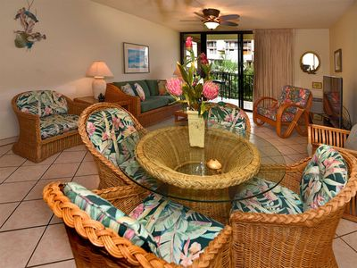 Photo for Lush Palm View in Casual Maui Condo w/Full Kitchen, AC, WiFi–Kamaole Sands 8210