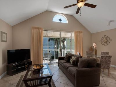 Photo for Bright, open cottage, Steps to the gulf, Minutes to entertainment